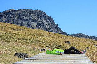 Khám phá thiên nhiên tuyệt đẹp từ ngọn núi Hallasan trên Đảo Jeju Hàn Quốc