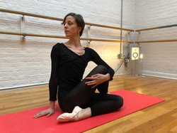 Spinal twists in BBB Ballet Body (TM) Barre Stretch