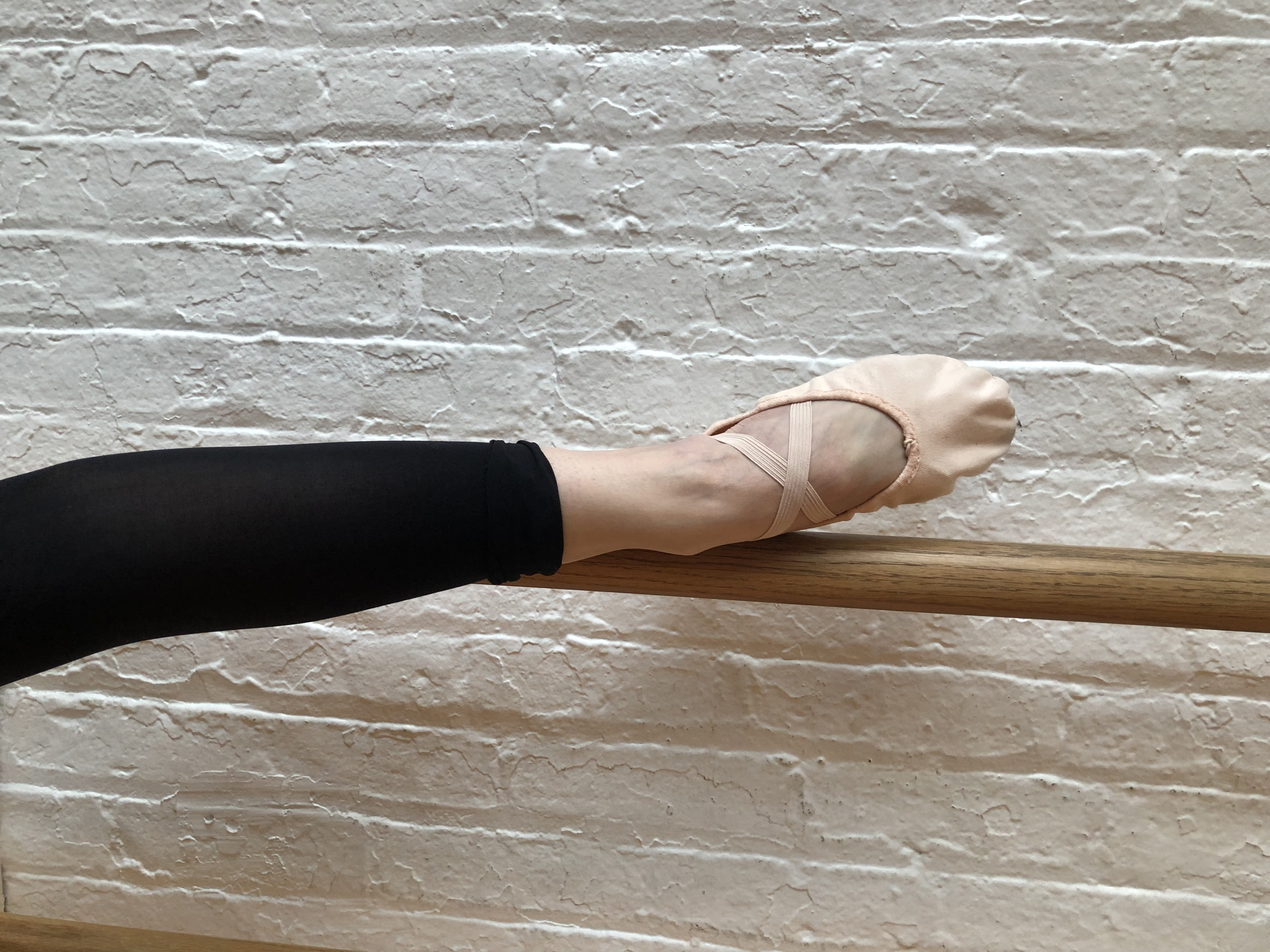 BBB Ballet Body (TM) Barre works the muscles of the foot