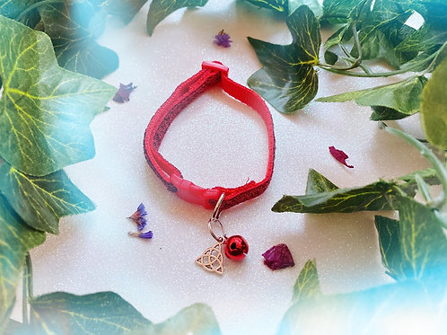 Triquetra Witches Familiar Collar- Red