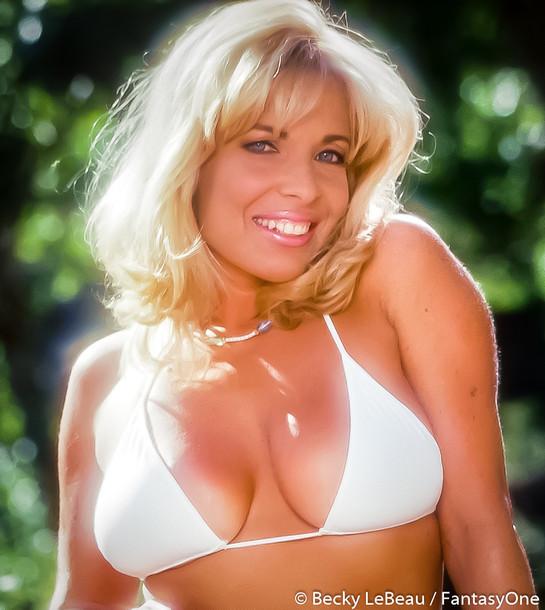 becky_lebeau_wix_bikini_052.jpg