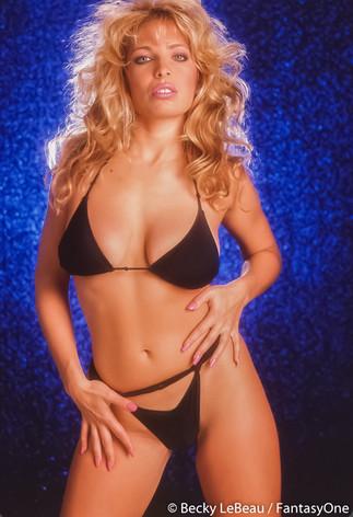becky_lebeau_wix_bikini_037.jpg
