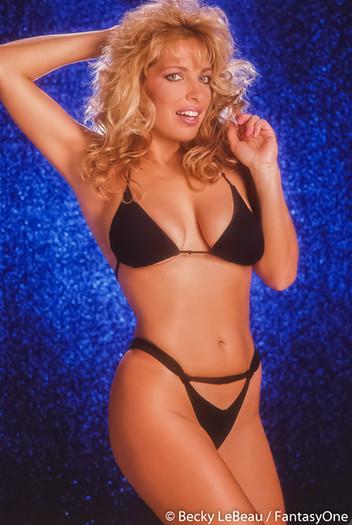 becky_lebeau_wix_bikini_034.jpg