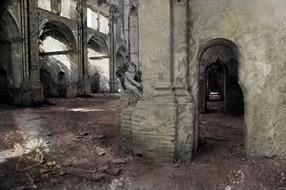 iglesia abandonada_gris.jpg