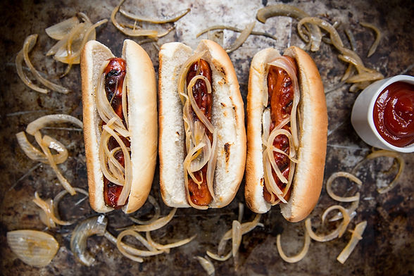 Recetario Weber_Hot Dogs Estilo New York_edited.jpg