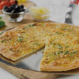 Pan de Pizza con ajo y queso | Weber