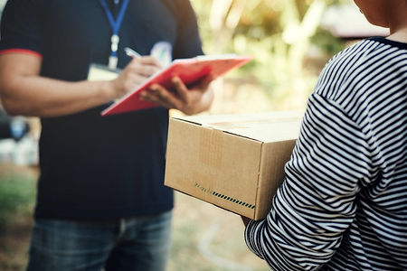 close-up-woman-holding-box-with-service-delivery-and-holding-board_edited.jpg