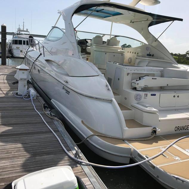 56 Cruisers Yachts 560.jpg