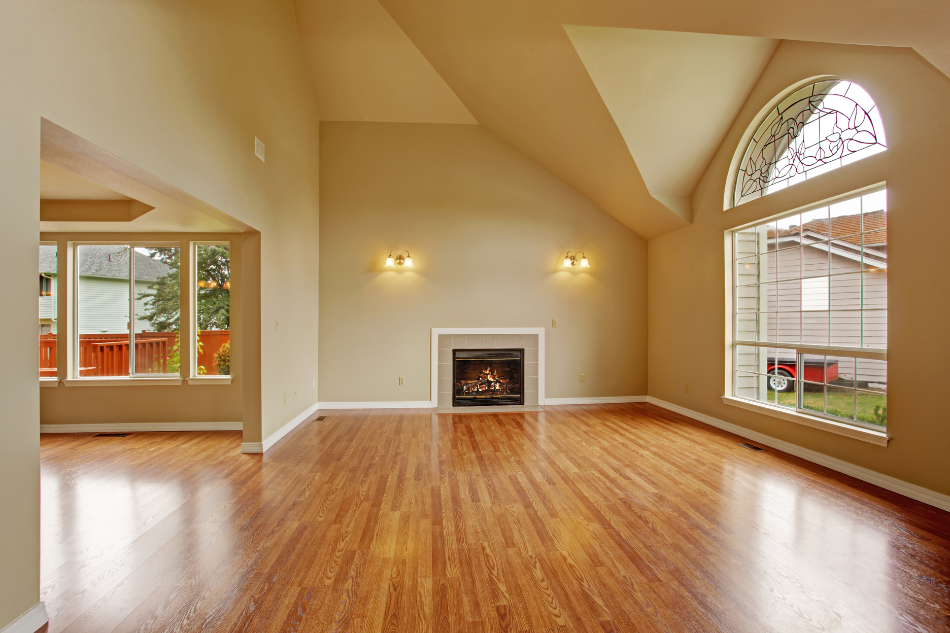 042536936-empty-living-room-high-ceiling.jpeg