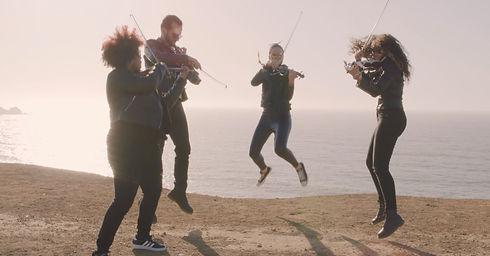 Jumping String Quartet - web.jpg
