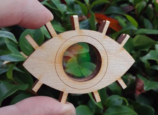 Diffraction grating eye!