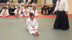Yi preparing for a bout