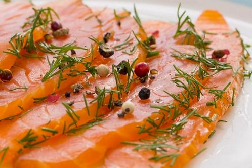 Le saumon gravelax et ses garnitures