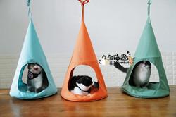 Triangle cat hammocks with cats