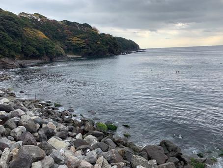 12月21日 ざぶざぶの岩を避けて福浦で…