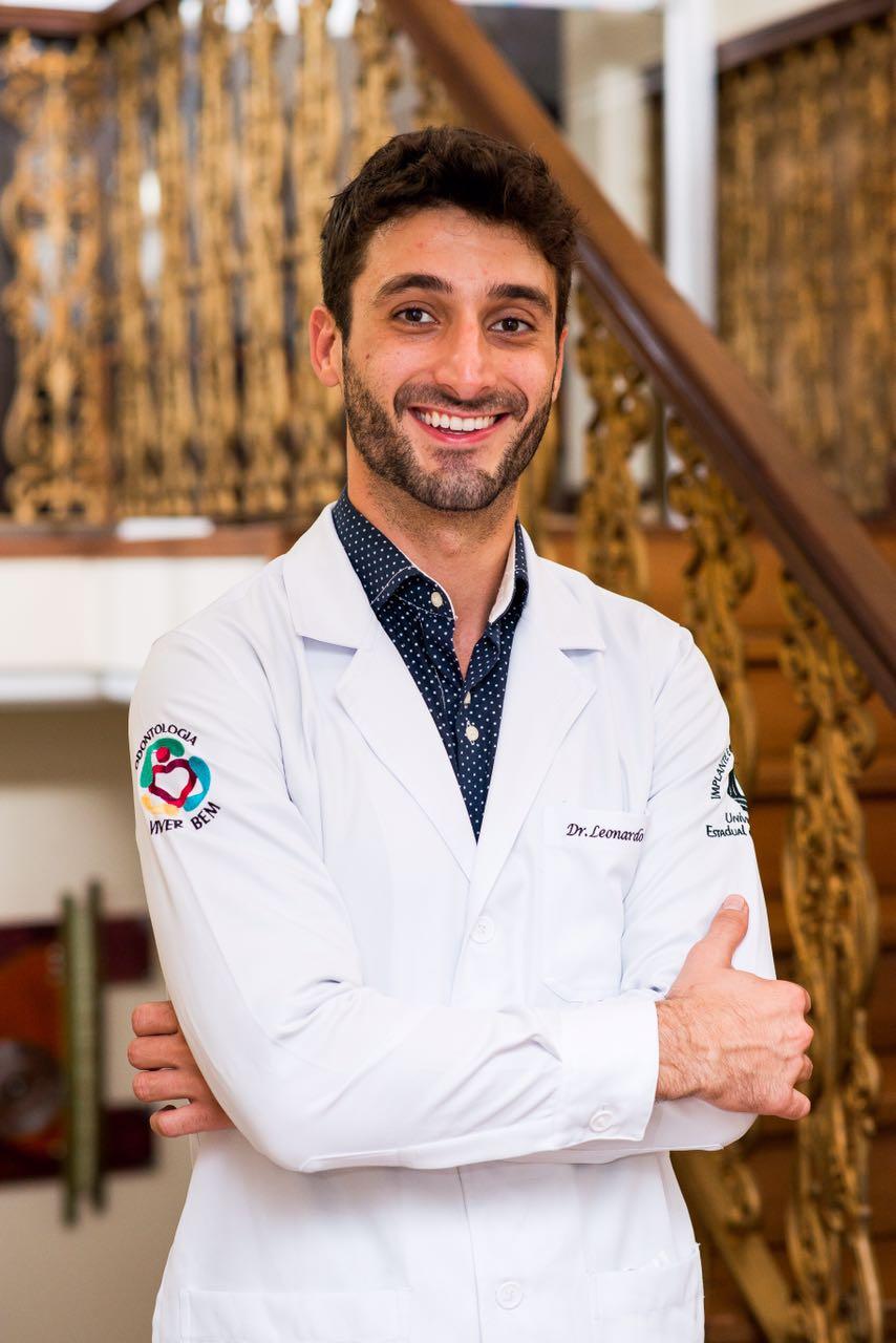 Dr Leonardo Blanco Dentista Maringa