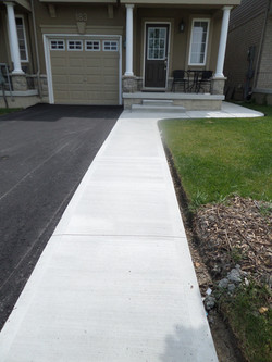 Large Plain Concrete Curb & Step
