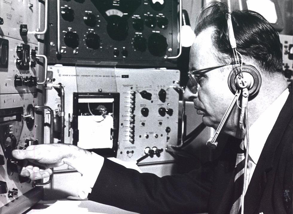 kaminski-im-keller-1958.jpg