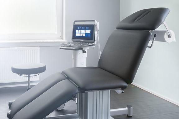 Behandlungssituation Laser OP-Bereich in der Hautarztpraxis Derma-Buer, Dr. Stephan Kobus, Dermatologe, Venerologoe, Hautarzt, in Gelsenkirchen-Buer