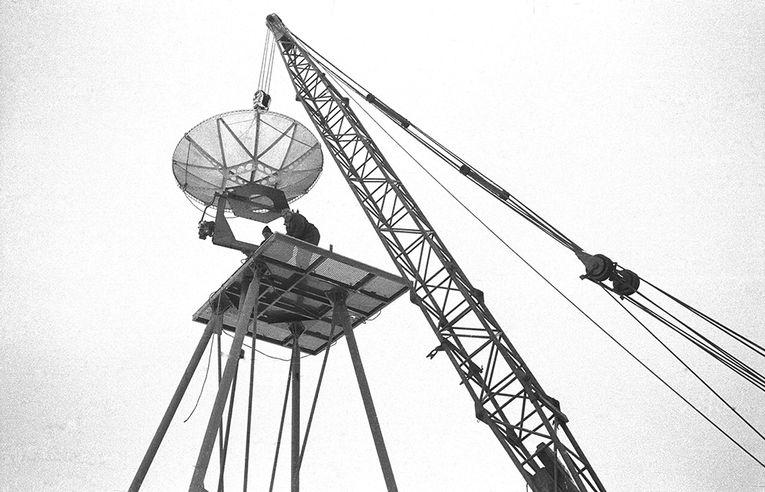 02309-03-Aufbau-einer-Parabolantenne-Ste
