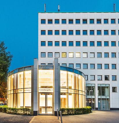 Außenansicht des Kronenburg-Forums in Dortmund. K2 Bürocenter in Dortmund, Büro und Ausstellungsflächen mieten, Gewerbefläche mieten, Praxis mieten