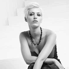 Beautyfoto eines Fotomodells, make up und styling sind von Gabriele Kloppert, make up Artistin und Visagistin in der Metropole Ruhr, Herdecke, Dortmund, Bochum, Essen, Düsseldorf, Leonardo