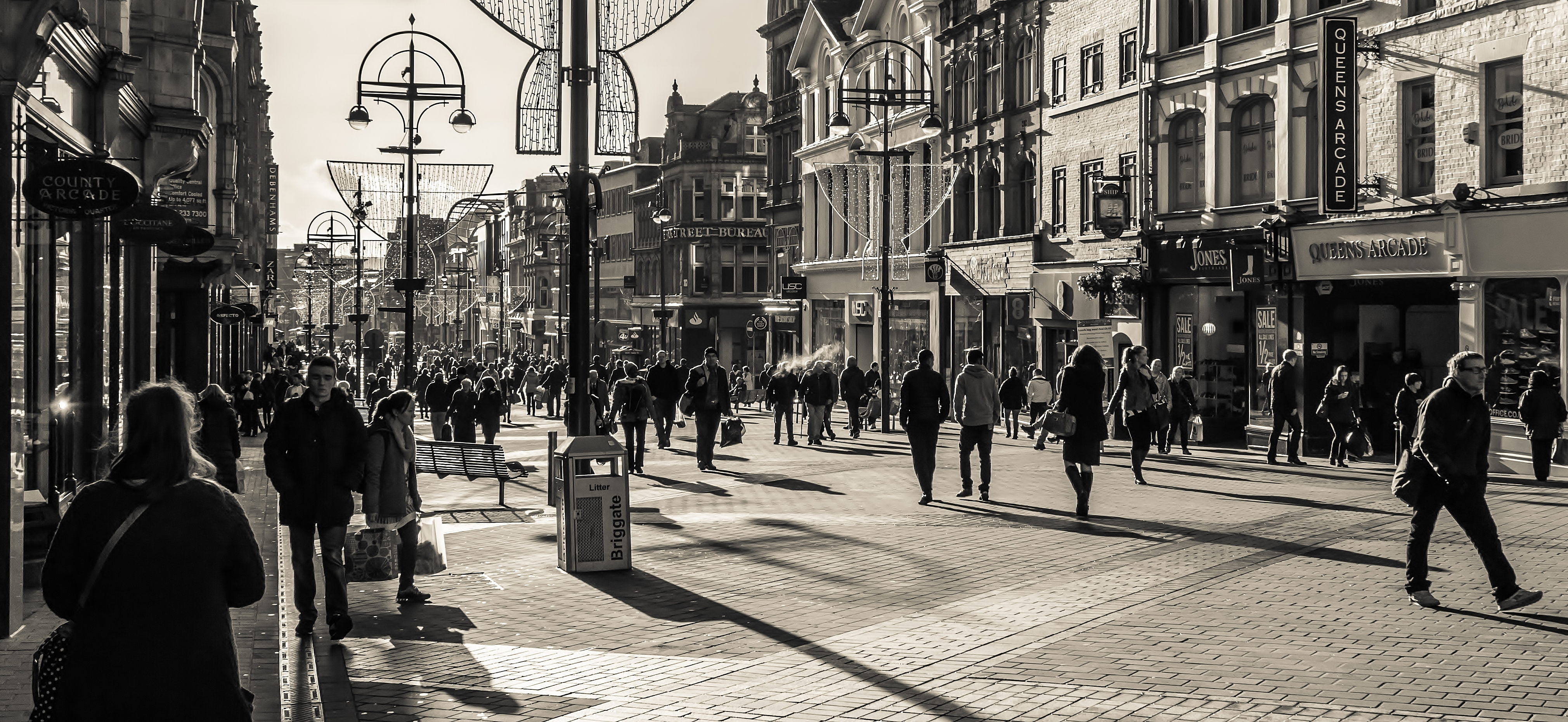 Lunchtime on Briggate