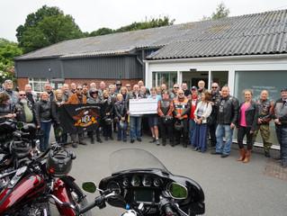 Cheque Handover - Wolverhampton MS Oxygen Centre