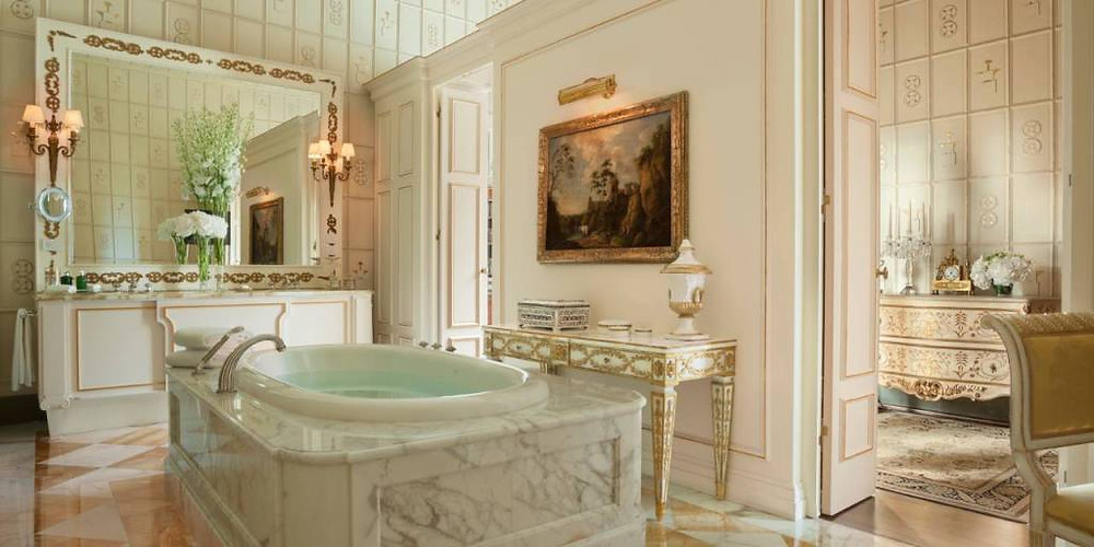 The Royal Suite of The Four Seasons Firenze Image courtesy of The Four Seasons