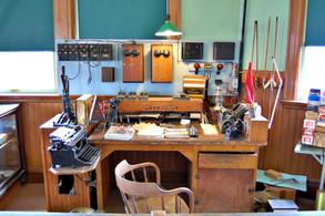 Station master desk