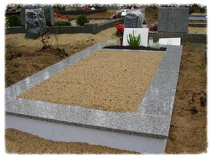 Liiv kalmistul