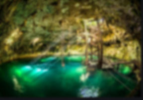 cenote_maya.jpg