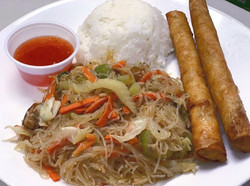 pancit%20and%20lumpia_edited.jpg