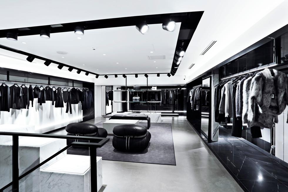 AW/Aoyama - Upper Floor Sales