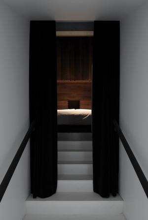 ROOM - Bedroom Entrance