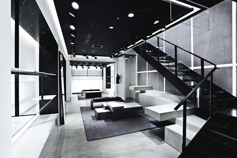 AW/Aoyama - Lower Floor Sales