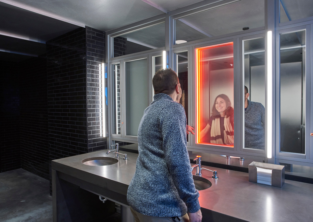 21c Lex - Restroom
