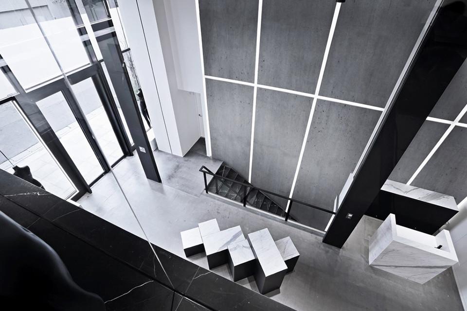 AW/Aoyama - Main Stair