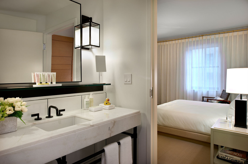 21c Cincinnati - Guest Bathroom