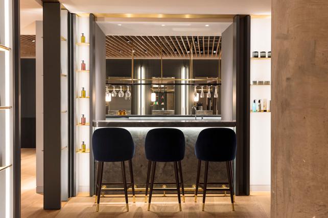 PE/Battersea - Client Bar