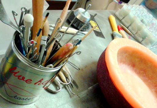 strumenti di lavoro per la cera
