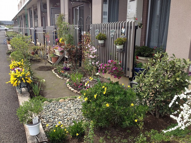 元総社コモンズの各住戸の庭