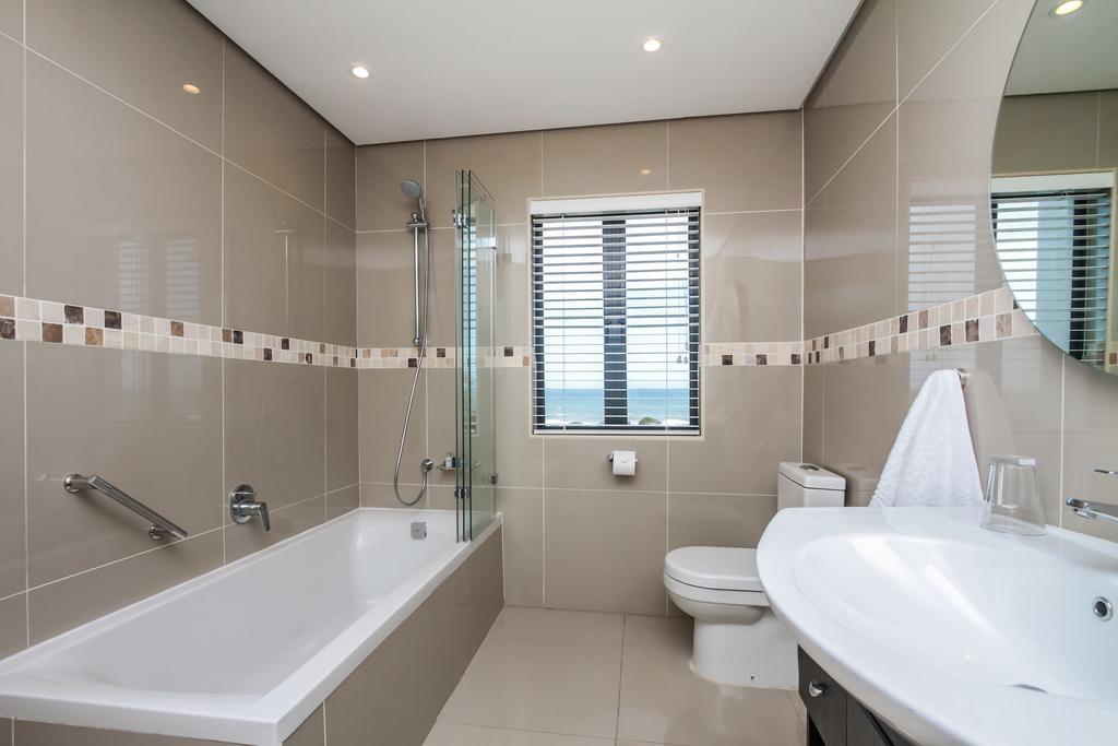 Ocean Vista Bathroom