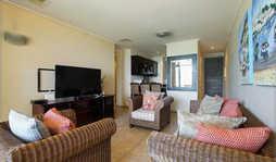 307 Point Bay Lounge & Kitchen.jpg