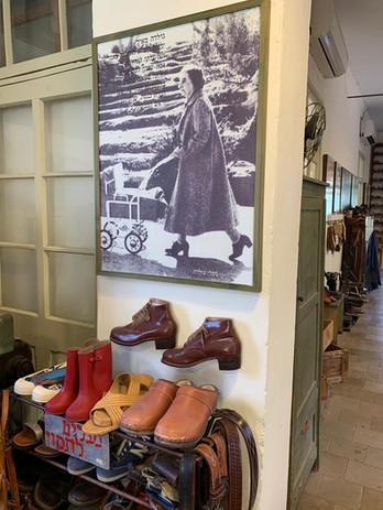 נעלי גולדה