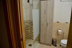 PMG-029-Bathroom-2