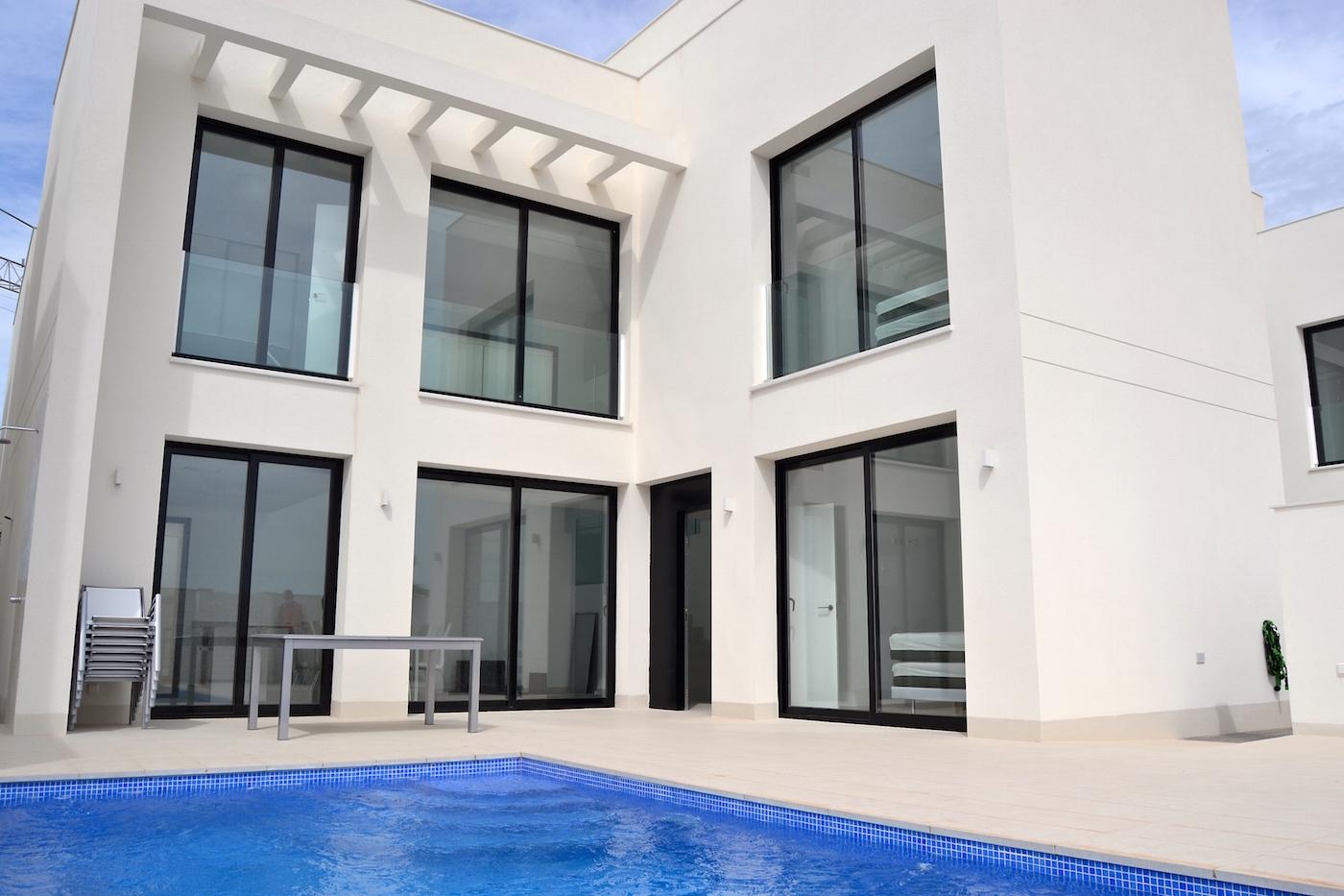 Luxury new villa for rent