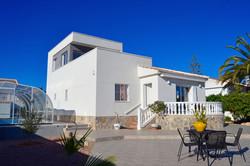 Large villa in La Siesta