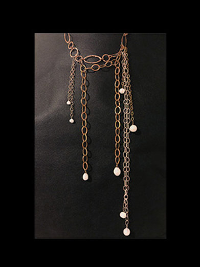 Chain & Pearl Necklace