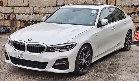 1200px-2019_BMW_330e_M_Sport.jpg